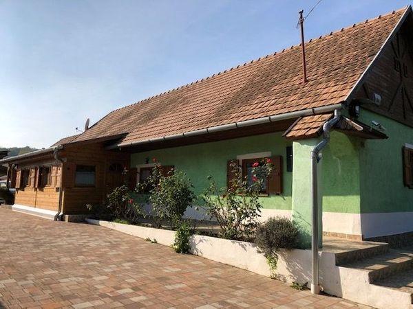 Ungarn Gepflegtes Haus auf der