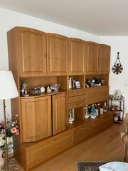 Wohnzimmerschrank Schrankwand sehr gut erhalten