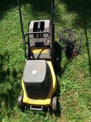 Elektrischer Rasenmäher älter funktioniert