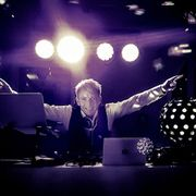 DJ Oli mit Anlage für