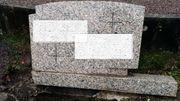 Grabstein aus Granit mit Sockel