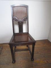 Antiker Holz Stuhl dunkelbraun mit