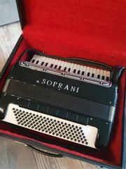 Akkordeon V Soprani mit 120