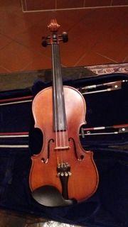 schöne halbe Geige mit Kasten
