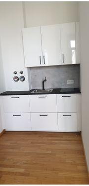 Küchen Monteur und Handwerker und