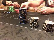 Pokerrunde sucht Bedienung kein Sex