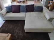 Bequeme Couch in creme