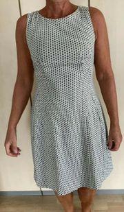 Kleid ärmellos schwarz weiss gemustert