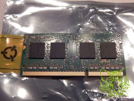 Sonstige Hardware, Zubehör - Samsung interner RAM Speicher-Riegel M471B5173EB0-YK0