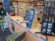 Ladeneinrichtung -Schuh Schlüsseldienst- zu Verkaufen