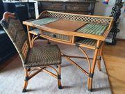 Schreibtisch und Stuhl Handarbeit aus