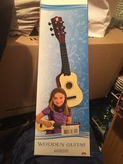 Kindergitarre aus Holz - gebraucht