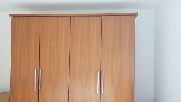 Schlafzimmer Schrank Doppelbett 2x Matratze