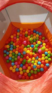 Bällebad für Kinder