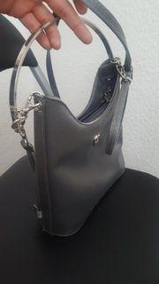 Eine hübsche Handtasche