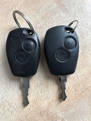 2 Dacia Autoschlüssel mit Fernbedienung