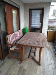 Gartentisch mit Bank aus Holz
