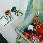 Elektriker Subunternehmer suchen nach neuen