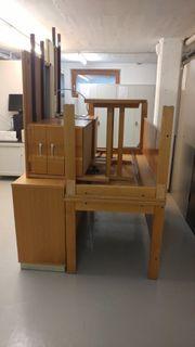 Massivholz-Büroschreibtisch
