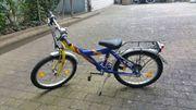 Street 2012 blau gelb rotes