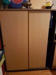 Schreibtisch und Aktenschrank zu verschenkten