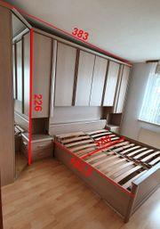 Schlafzimmer komplett mit Kleiderschrank Bett