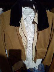 Damenbekleidung in großen Mengen Sowie