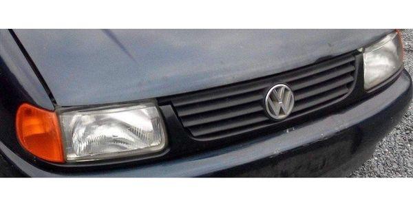 VW Polo 6 N 89 tkm Schlachtfest alle Teile Grill - Bocholt Biemenhorst - angeboten wird obiges Teil aus SchlachtfahrzeugHersteller VWModell PoloBj. 96-2001Typ 6N1Motor 0,9 Links - 1,6 LGetriebe 5 GangFarbe blau metallic andere Farben auch möglichDISCLAIMER-Alle Angaben sind aus dem Internet oder aus mein - Bocholt Biemenhorst