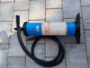 Kolben-Luftpumpe zum Aufblasen von Schlauchbooten