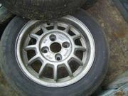Satz Alufelgen mit Reifen Felgen