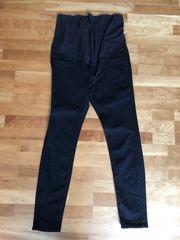 schwarze Stretch Jeans Umstandskleidung