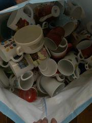 Hunderte Tassen Teller Gläser Schüsseln