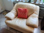 Polstergarnitur Couch und Sessel aus