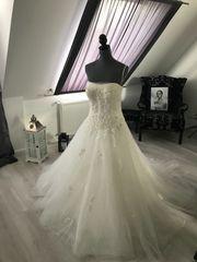 Traumhaftes Brautkleid - Gr 40 - ivory