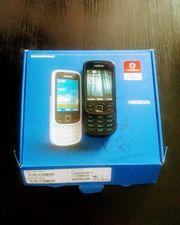 Ein neuwertiges Nokia 6303i Handy