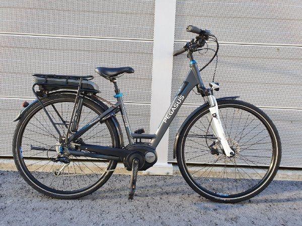 Pegasus Solero E8 Bosch E bike 28 Zoll in Dornbirn Damen