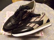 Neue Sneaker Gr 39 Snake-Muster