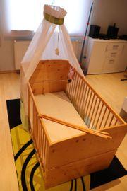 Babybett Gitterbett Massivholz mit Zubehör