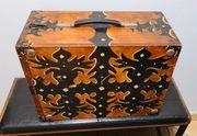 Antiker alter Musik Instrumentenkoffer