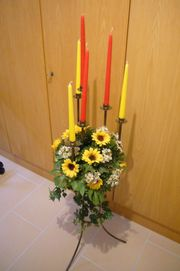 Toller Kerzenständer inkl Dekoration und