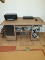 Kleiderschrank Sofa mit Schlaffunktion Schreibtisch