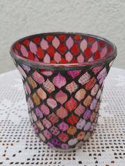 Neuwertiges romantisches Mosaik-Windlicht