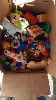 Holzklötze Holzspielzeug etc komplette Kiste