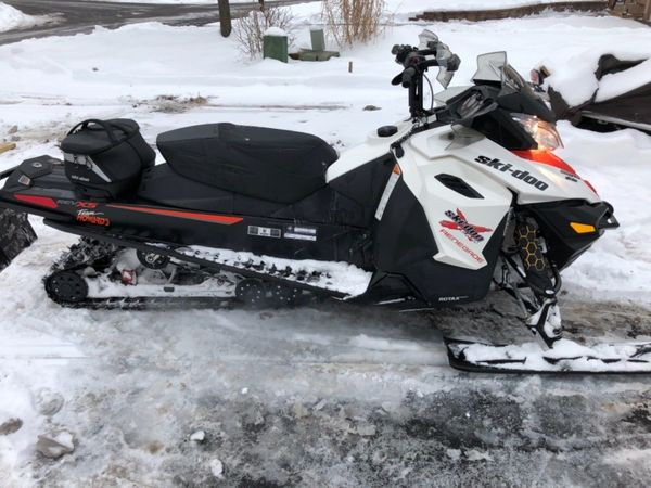 2015 Ski-Doo Renegade 800 X
