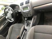 VW Golf zu verkaufen