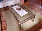 Couch Tisch und Beistelltisch aus