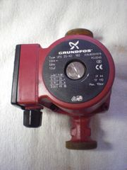 Grundfos Typ UPS 25-40 180