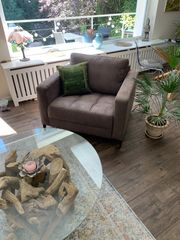 Sofa und Sessel