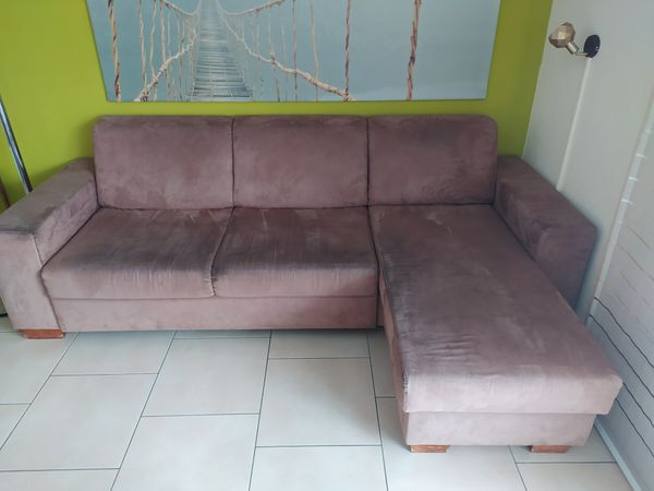 Wohnzimmer Couch ausziehbar schlafen Ottomane