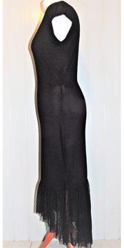 Schwarzes Kleid mit Spitze vorne